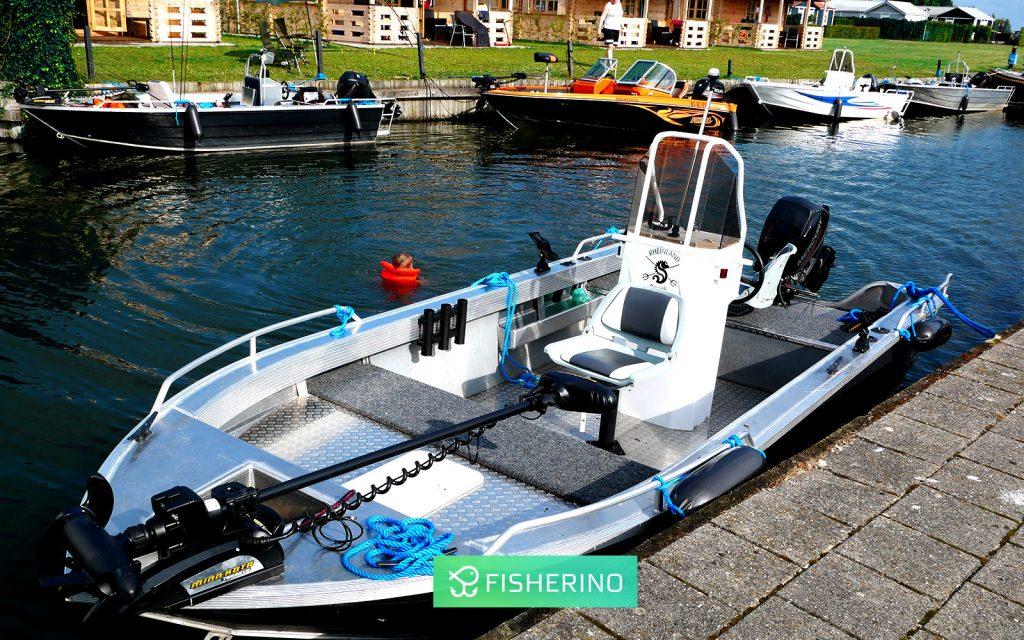 angelurlaub-holland-rheinlandboote-mit-familie-fisherino-1024x640