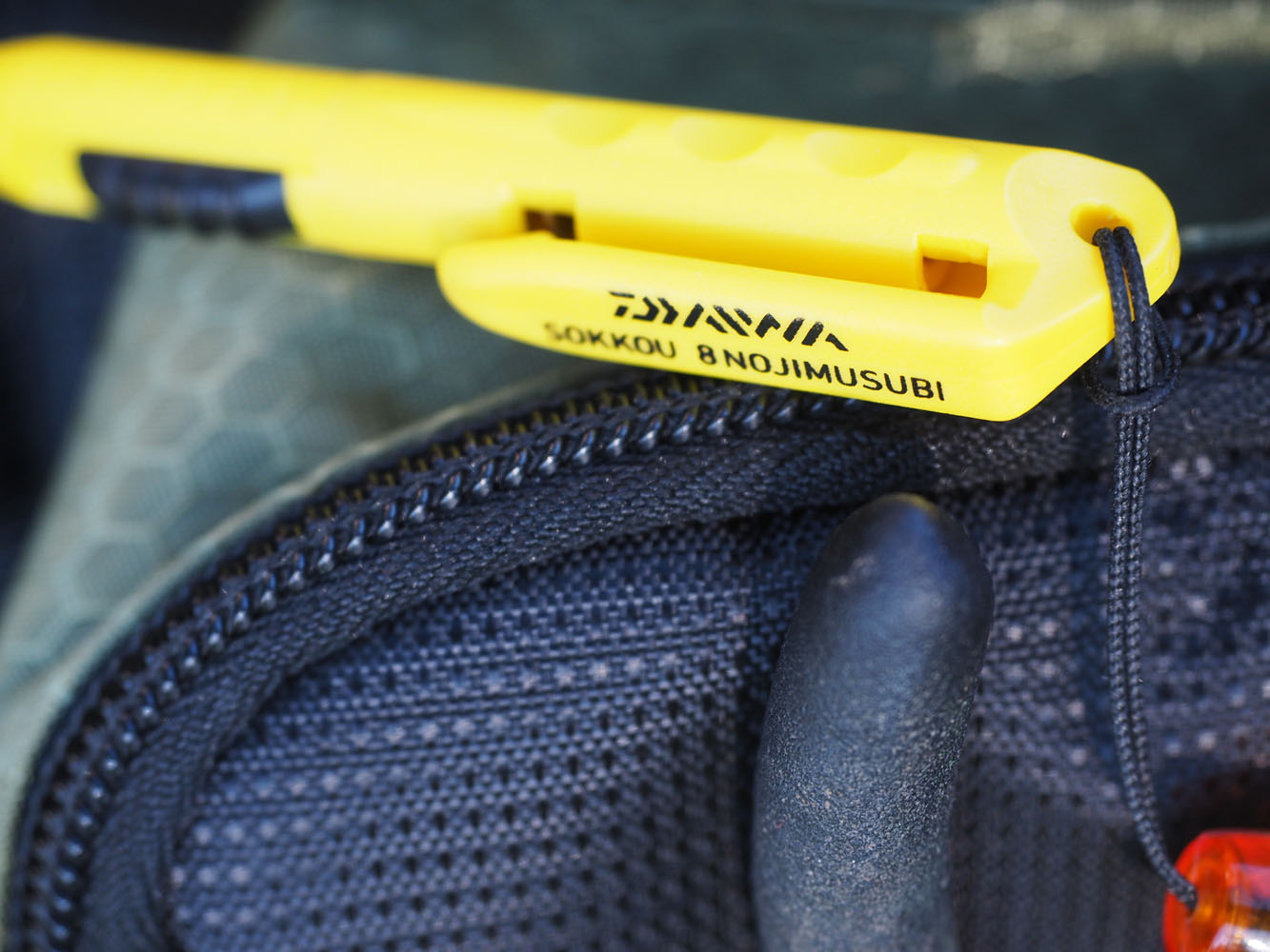 knoten-binden-tipps-mit-dem-daiwa-sokkou-knot-tool